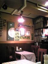 創作麺工房遊来區:店�テーブル席071008.jpg