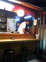 うな辰:店�鰻を焼くご主人06-06-05_19-50.jpg
