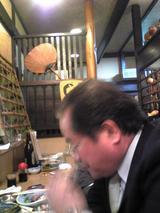料理茶屋八重寿:店�カウンター席入口側090425.jpg