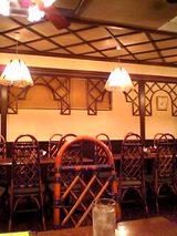 ペルソナ:店�入口左手のテーブル席06-08-22_18-22.jpg