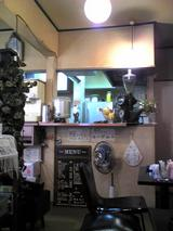 ピーター:店�店奥から厨房方向081103.jpg