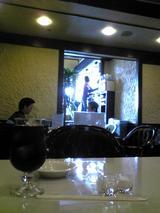 カフェ・サンパウロ:店�店右奥から入口方向090426