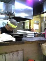 金龍:店�厨房のご主人071006.jpg
