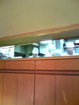 どぜう飯田屋:店�玄関口横の厨房081220.jpg