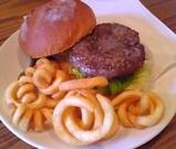 レインボーキッチン:�ハンバーガー800円全景06-06-11_12-30.jpg
