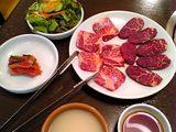 ウリ商店:�カルビロース定食1974円全景飯汁付06-08-11_16-39.jpg