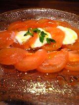 精養軒東京駅支店:�モツァレラとトマトのサラダ06-01-11