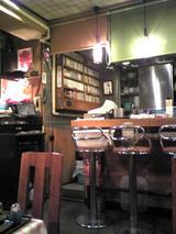 創作麺工房遊来區:店�厨房横のJAZZCD群071008.jpg