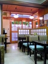 つるや:店内入口付近06-01-09