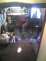 いせ源:店�階段から見下ろした玄関090207.jpg