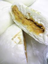 にんべん:�トマトチーズ入かつおまん断面100207