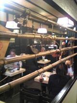 料理茶屋八重寿:店�レジから見た店内090425.jpg