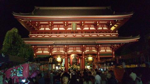 ほおずき市の夜�:浅草寺110709_210211