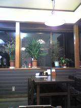 お食事処はるみ:店�窓際テーブル席091130
