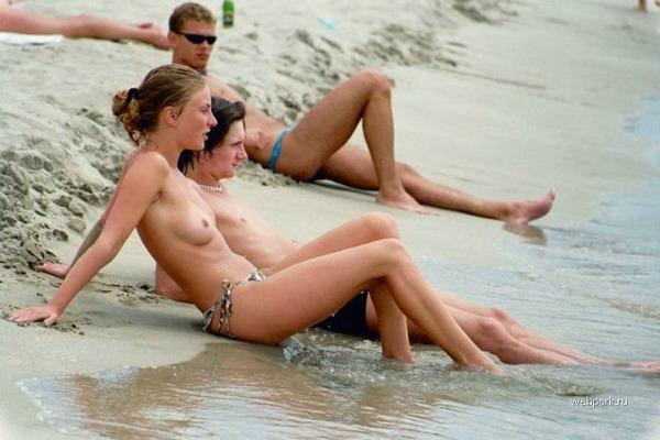 ヌーディストビーチ18