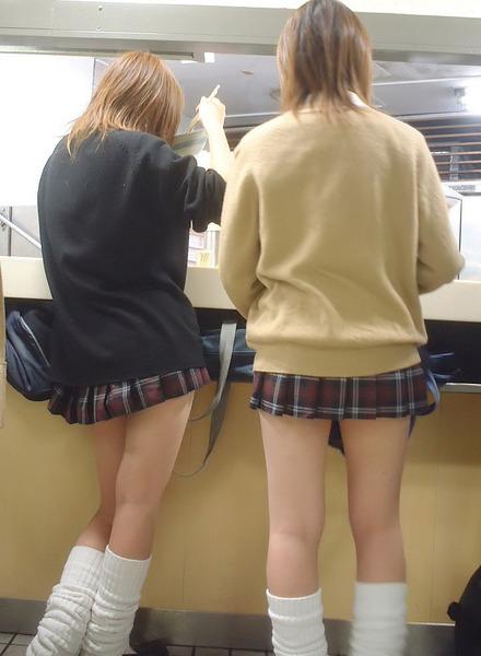 女子校正のパンチラ15