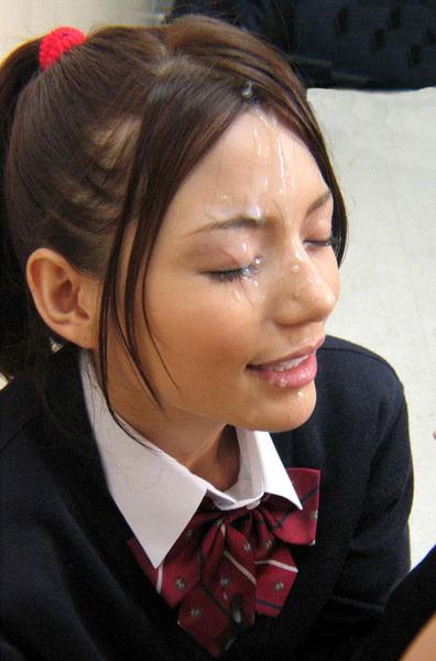 精液まみれの女子高生がエロいザーメンぶっかけ画像www15