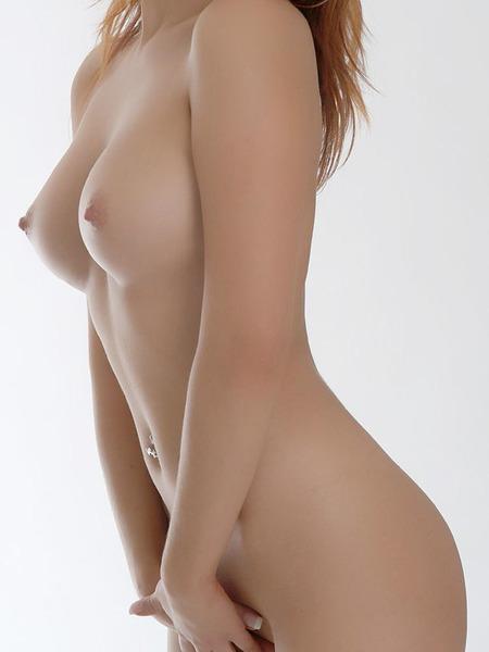 美乳オッパイ24