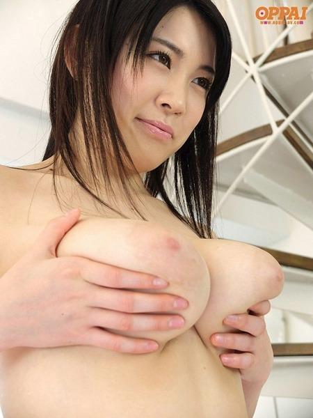 堀北七海 Jカップ柔らか美爆乳エロ画像18
