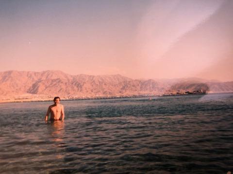 2000年紅海を泳ぐ