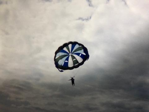 2000年2月紅海でパラセーリング30メートル上空で怖い