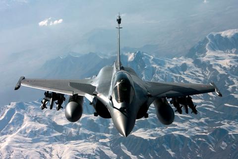 対中国!インド空軍、仏戦闘機ラファールを36機調達