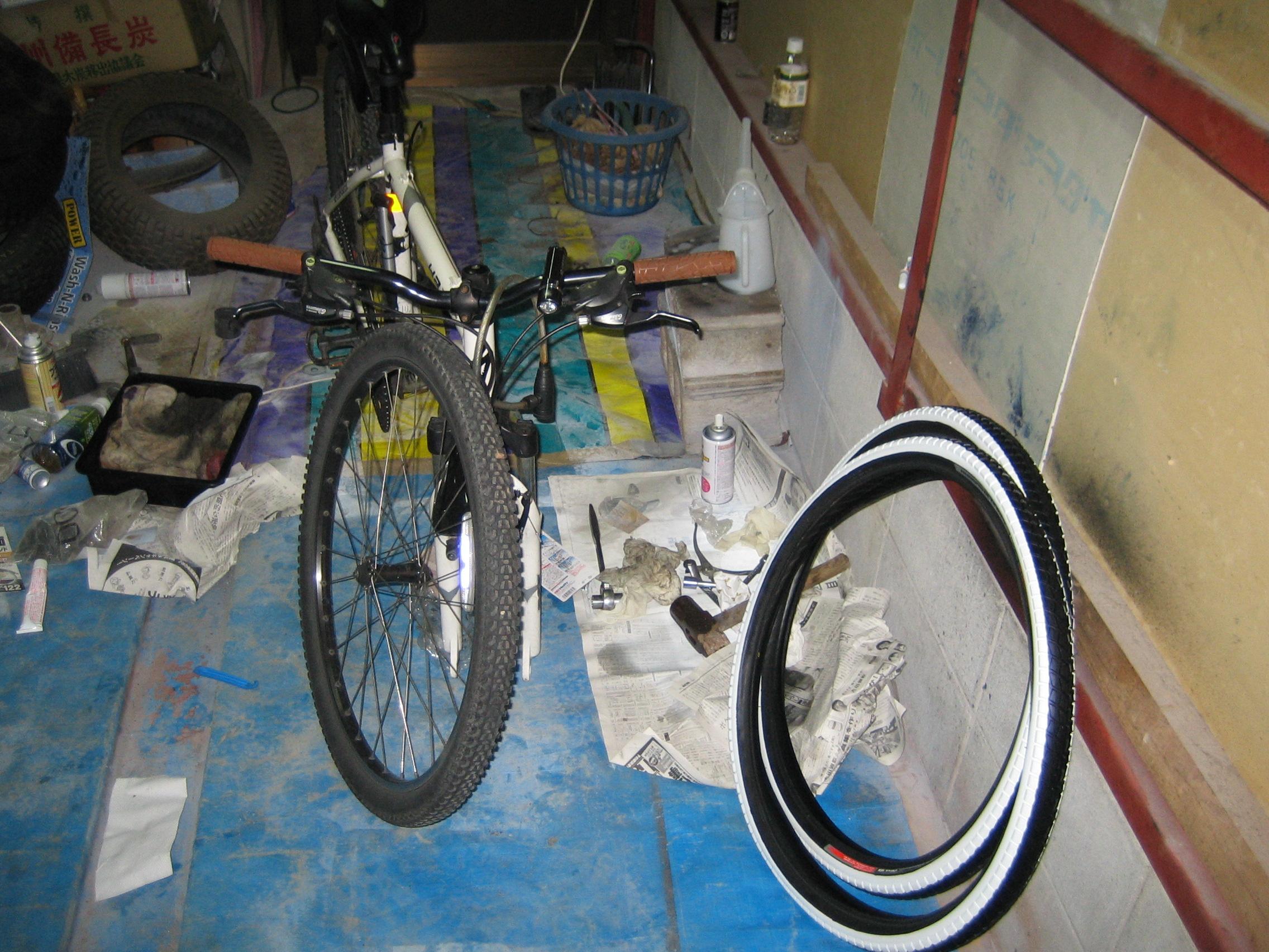 自転車の 自転車ノパンクタイヤ交換 : タイヤ交換2