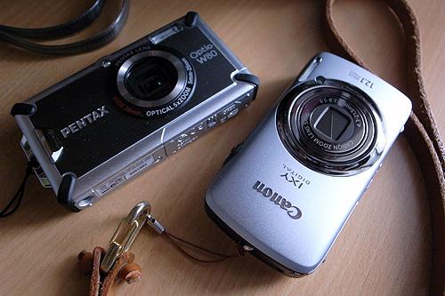 Optio W80とIXY DIGITAL 930 IS