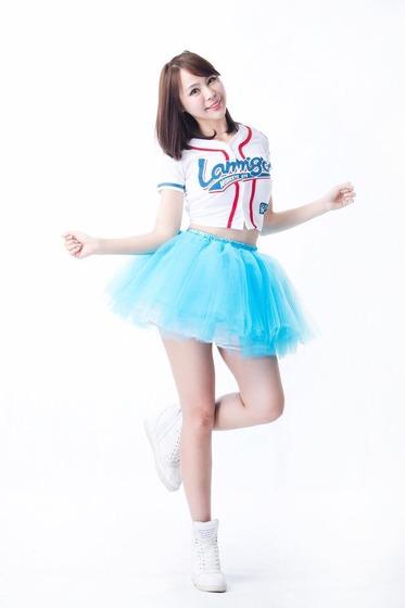 采依 (OneOne 李采依)2