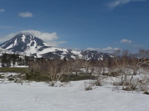 雪上の羅臼湖トレッキング