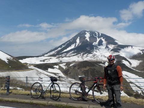 知床峠サイクリング 700メートルの快適ダウンヒル