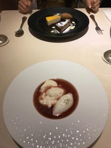 ヨーグルトムースの苺スープ