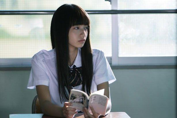 あらすじ 人格的に問題がある元刑事の主人公「藤島」が、離婚した妻が引き取っていた中学生の娘「加奈子」が行方不明となったため、死に物狂いで探す物語である。