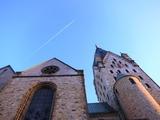 教会と飛行機雲@ドイツ