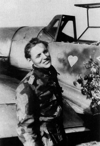 Pilots JG52 Erich Hartmann on reaching 350 aerial victories