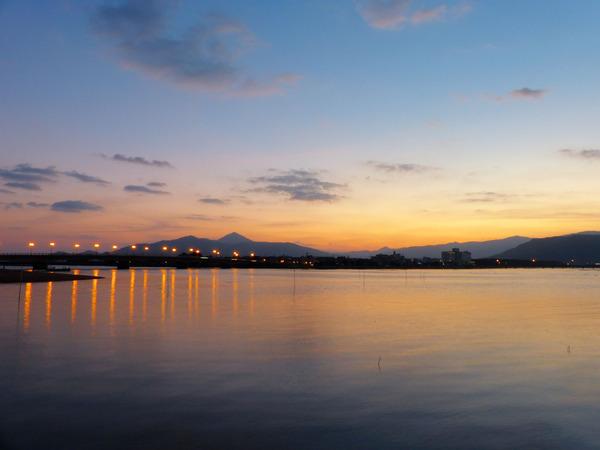 朝の松浦川河口
