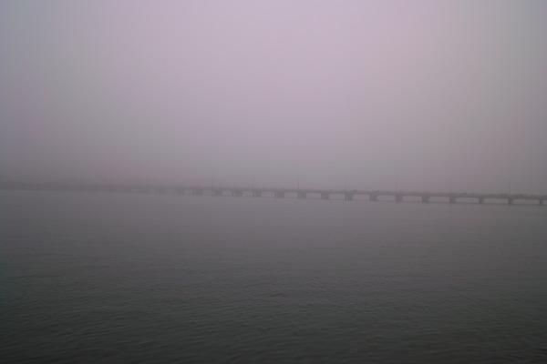 霧の中の松浦橋SDIM3237