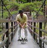 吊り橋を渡るのはチョット怖い。。。