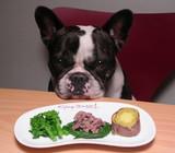 「ママは、ボイル肉までつまみ食いするんですよ〜!!(怒)」