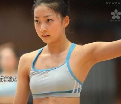 この美人体操選手の水着姿エッロwww