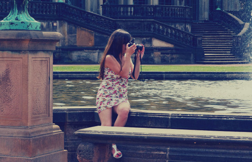 photographing-girl4-610x393