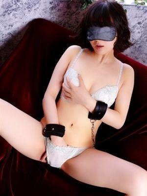 00305476_girlsimage_01