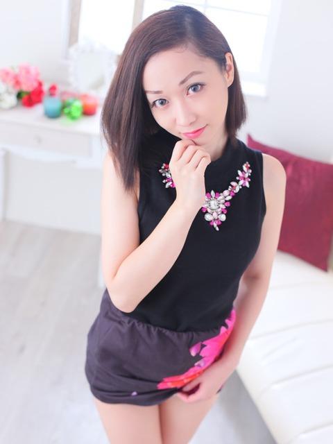 00384774_girlsimattge_01