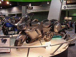 300px-Kawasaki_1400GTR_grey_leftside