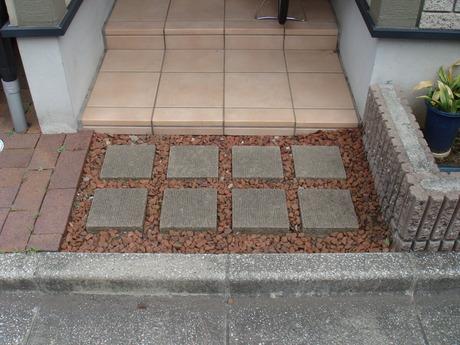 ビフォー(玄関前)