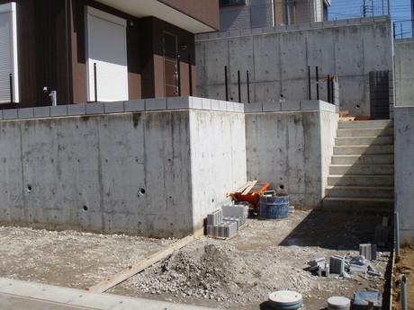 フェンス柱設置