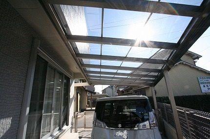 透明グレースモークの屋根