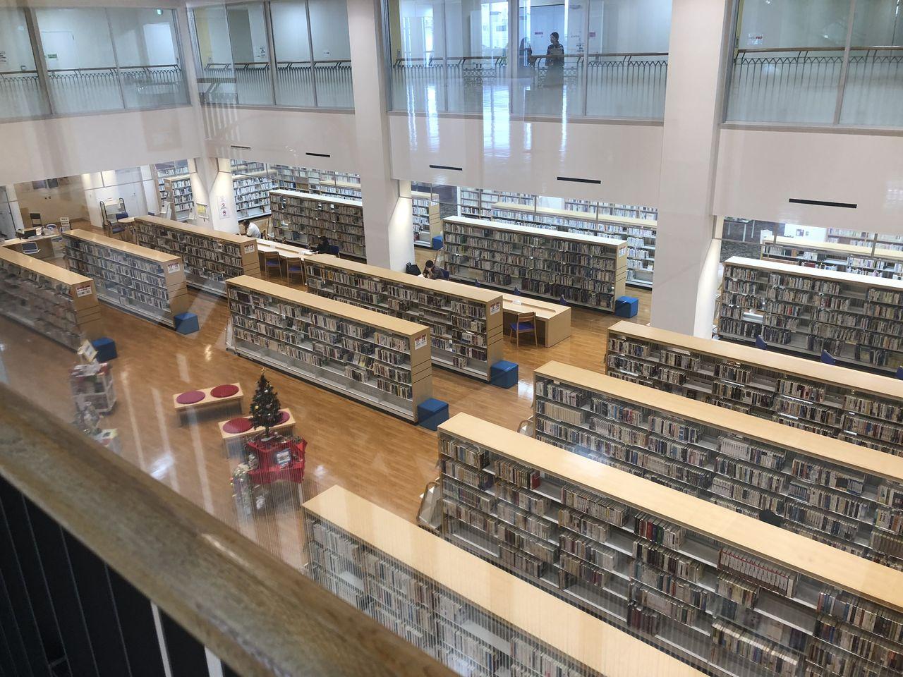 大きな図書館