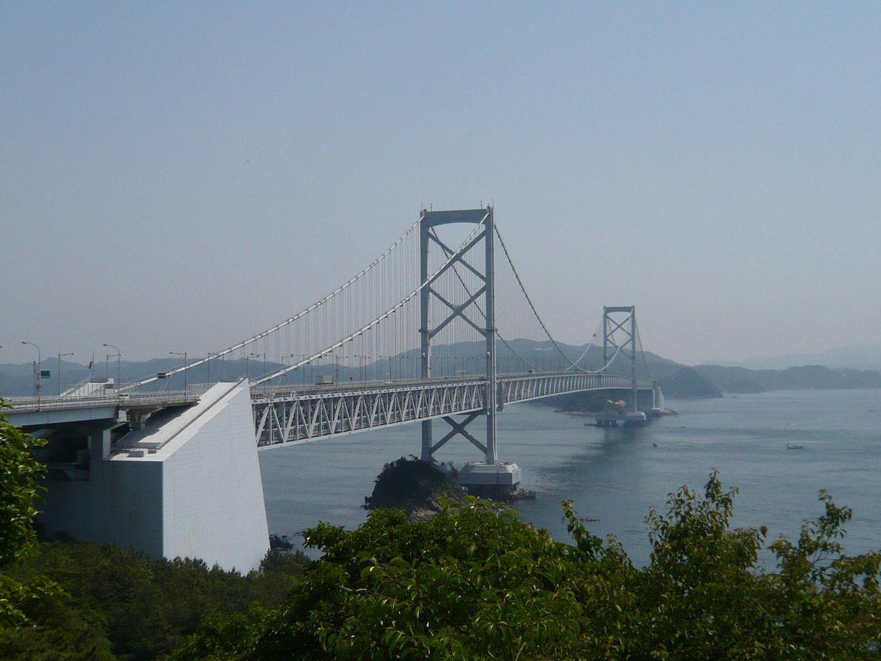 食堂の窓から大鳴門橋と鳴門海峡を一望できます!