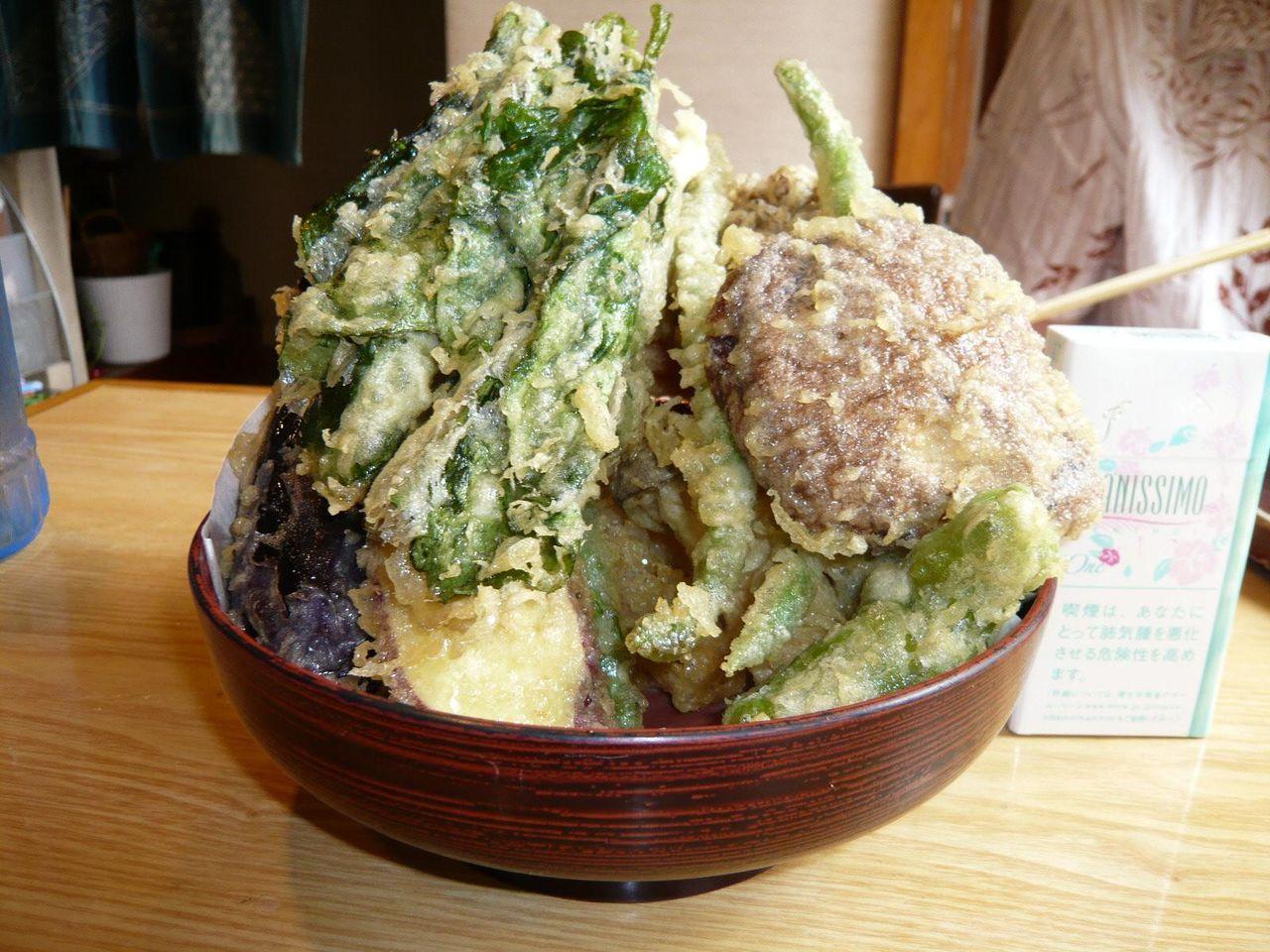 天ぷら付を注文すると、大変なことに・・・ざる天ぷら付1,100円